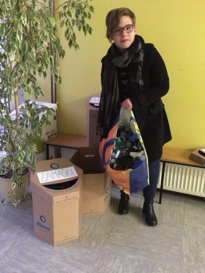 Akcija meseca februarja – zbiranje plastičnih pokrovčkov za Luko Cuglja. Prva vreča se že pridno polni