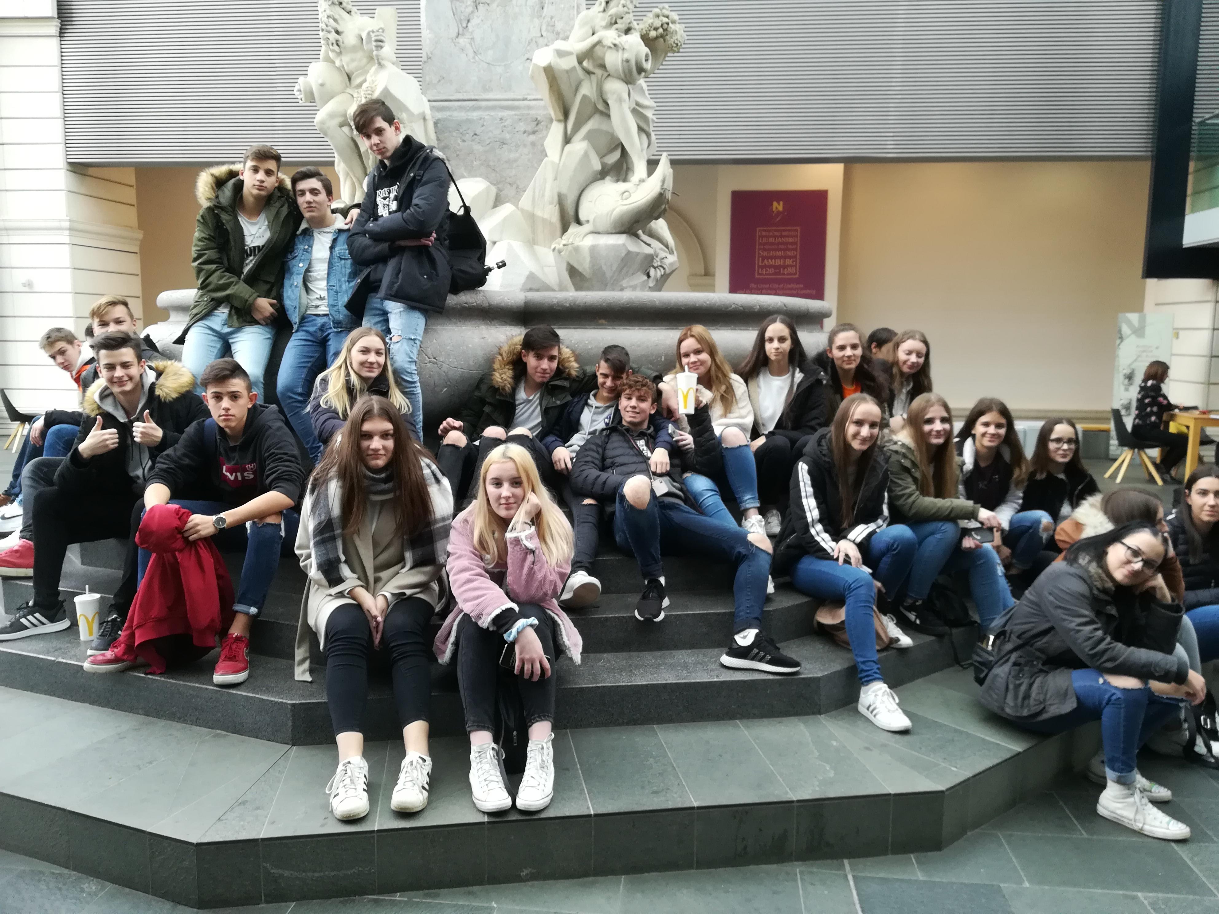 Na 35. slovenskem knjižnem sejmu in v Narodni galeriji