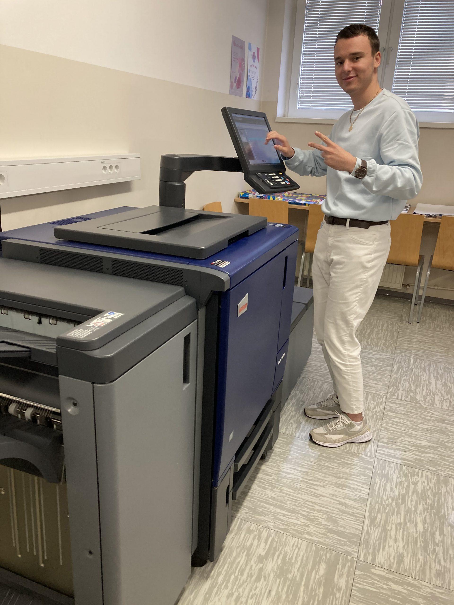 Vaje na digitalnem tiskarskem stroju
